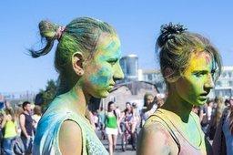 На фестивале красок Холи в Хабаровске зажгут лучшие ди-джеи города