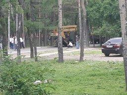 Впервые за это лето в Волочаевском городке появились газонокосильщики, зажужжали бензокосы