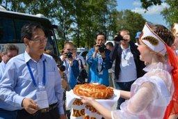 Китайские журналисты знакомятся с работой предприятий ТОР