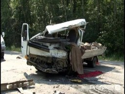 13-летний подросток погиб в результате лобового столкновения двух грузовых автомобилей на междугородней трассе Хабаровск - Комсомольск-на-Амуре
