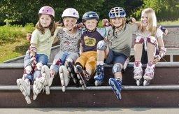 Правила безопасного катания на роликах, велосипеде или самокате