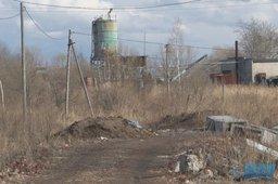 В Хабаровске многодетная семья живёт в грязевом болоте
