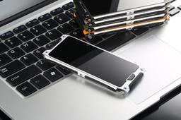 Чудо-смартфон VKWorld Crown V8 получит самовосстанавливающееся покрытие