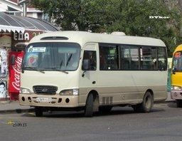 Хабаровские водители автобусов №85 устроили забастовку