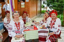 Украинскими борщом и салом угостили хабаровчан в рамках фестиваля-конкурса «Кухня без границ»