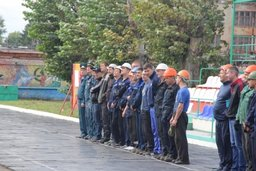 Соревнования добровольных пожарных дружин Амурского судостроительного завода прошли в Комсомольске-на-Амуре