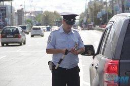 Хабаровские инспекторы безопасности дорожного движения получают информацию о поддельных автомобильных номерах от автоматизированной системы